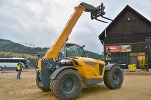 Rough Terrain Lift Trucks